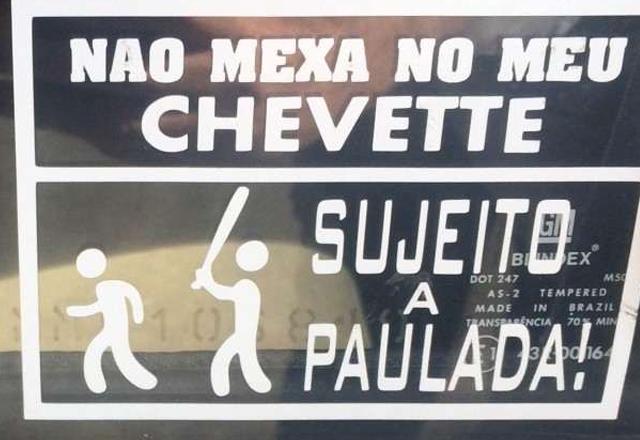 25 placas engraçadas que provam que o melhor do Brasil são os brasileiros